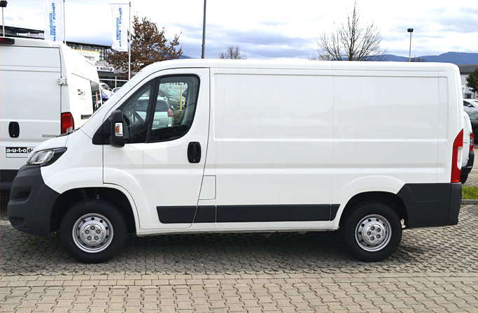 transporter sprinter lkw kipper vermietung umzugswagen mieten in freiburg. Black Bedroom Furniture Sets. Home Design Ideas